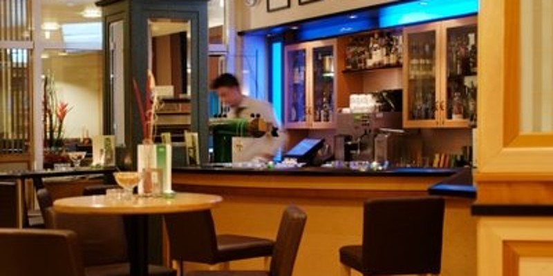 Foto: Bar im Holiday Inn Essen City Centre
