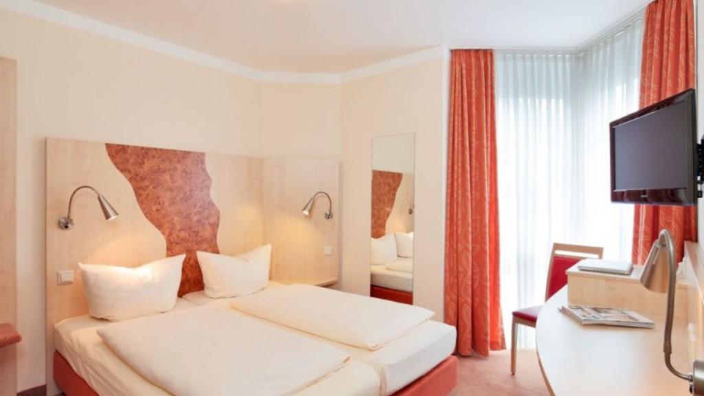 "Doppelzimmer im Petul Apart Hotel ""Ernestine"""