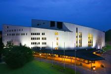 Foto: Aalto-Theater bei Nacht