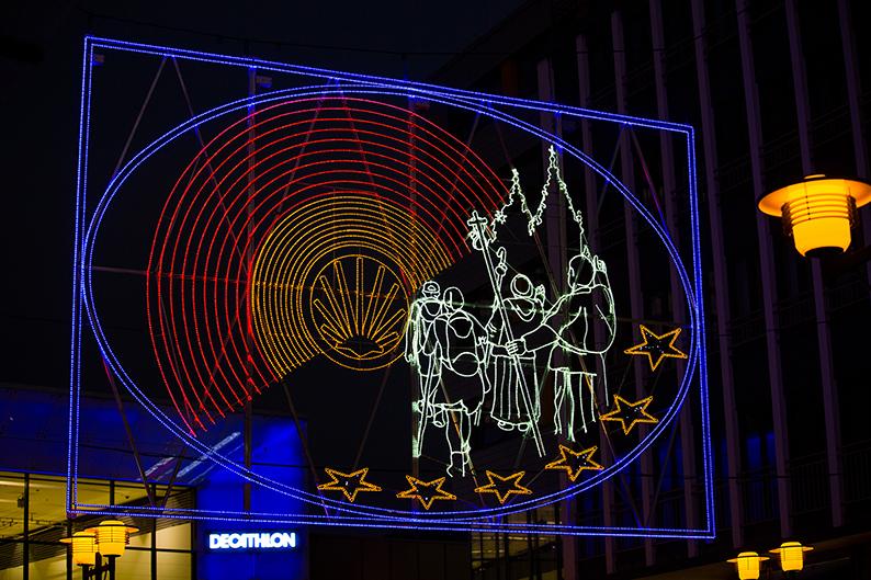 """Foto: Lichtbild """"Jakobsweg"""" der Lichtwochen 2015"""