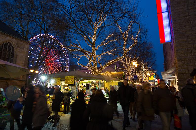 Foto: Illuminierte Kettwiger Straße