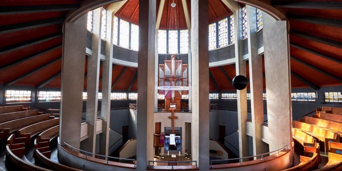 Foto: Im Inneren der Auferstehungskirche