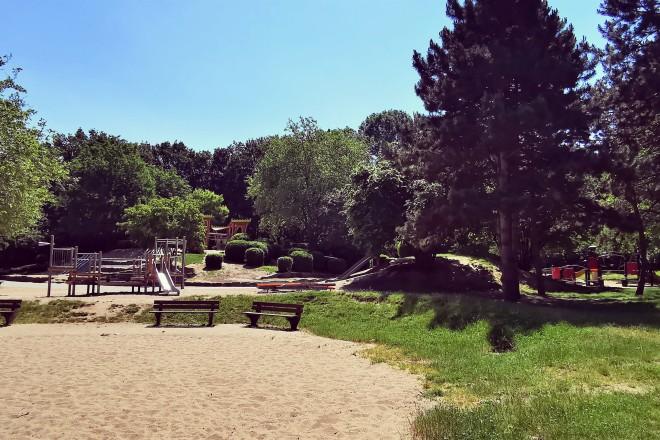 Spielplatz und Tiergehege im Grugapark Essen