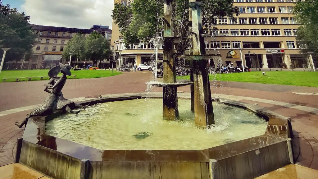 Brunnen auf dem Hirschlandplatz