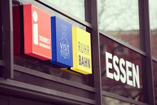 Tourist Info mit Ruhrbahn-Kundencenter