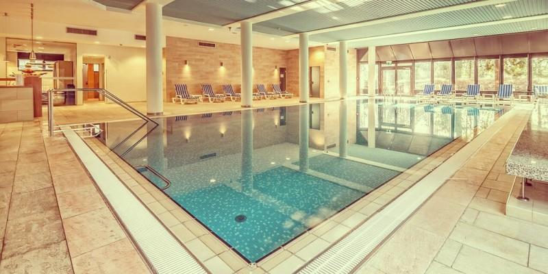 Foto: Pool im Hotel Bredeney