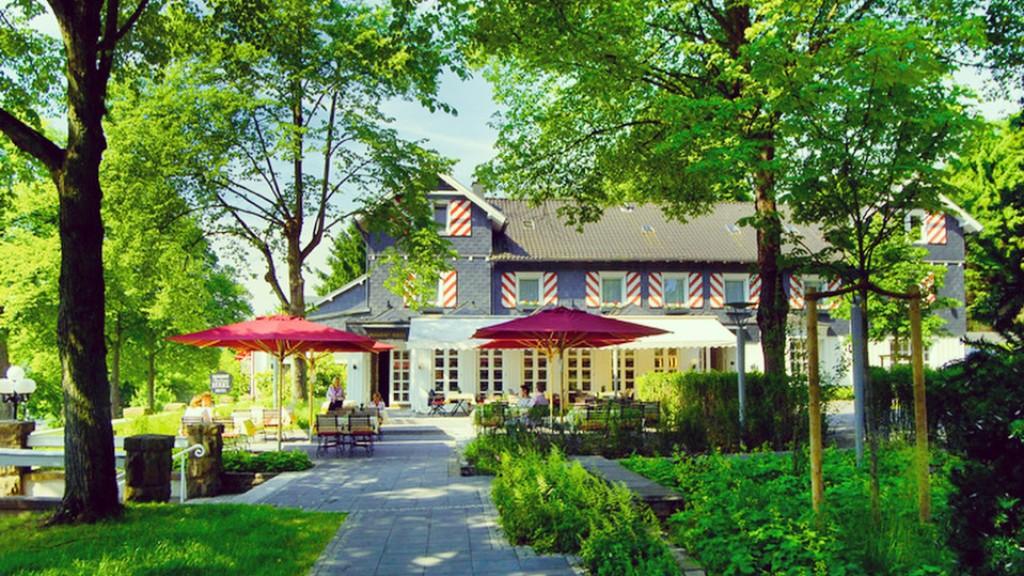Foto: Aussenansicht Parkhaus Hügel