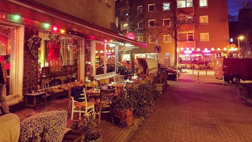 Cafe Gold Bar am Isenbergplatz