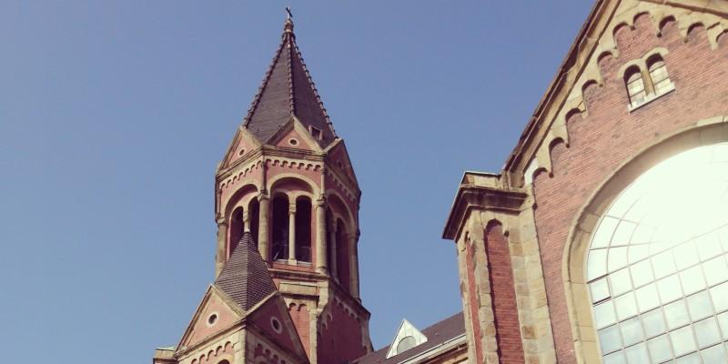 Außenansicht der Kreuzeskirche