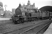 Foto Eisenbahn vor dem Essener Hauptbahnhof