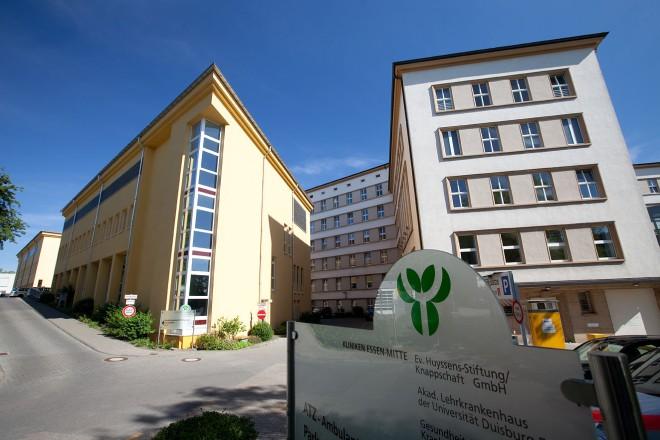 Foto: Außenansicht der Evangelischen Huyssens-Stiftung