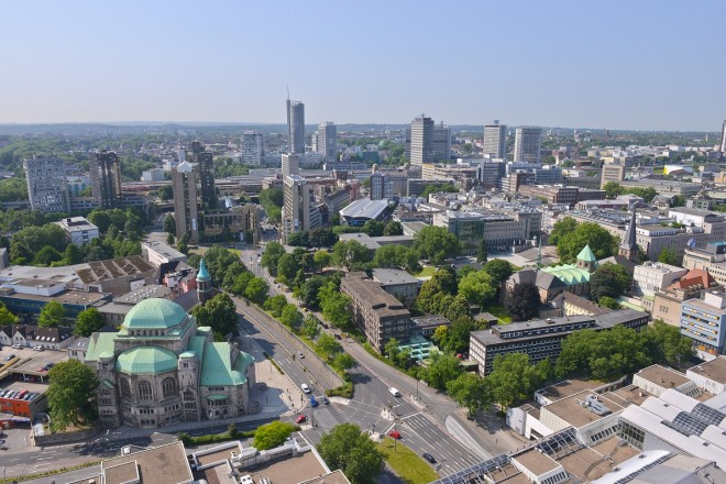 Foto: Blick vom Rathaus auf die Essener Skyline