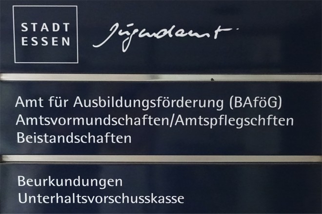 Foto: Wegweiser Jugendamt im Haus am Kopstadtplatz