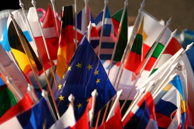 Foto: Strauß von Länderflaggen