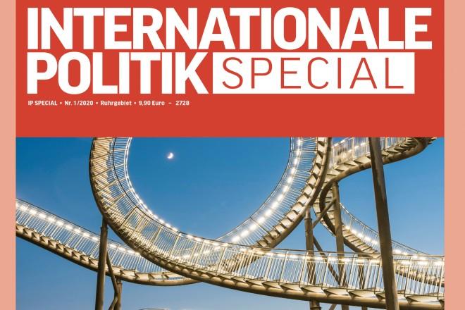 """Grafik: Cover des Magazins """"Internationale Politik"""" mit der Aufschrift """"Europa, mein Revier"""""""
