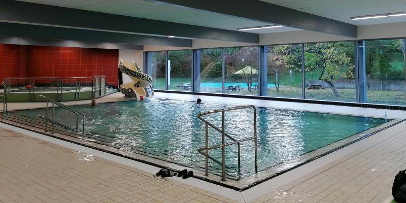 Pool eines Badbetriebes