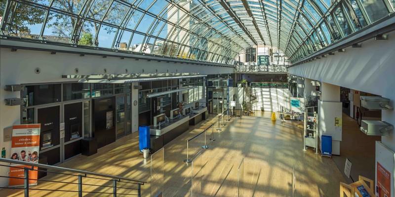 Eingangshalle der Zentralbibliothek