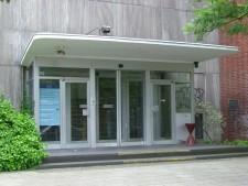 Foto: Haupteingang des Amtes für Soziales und Wohnen