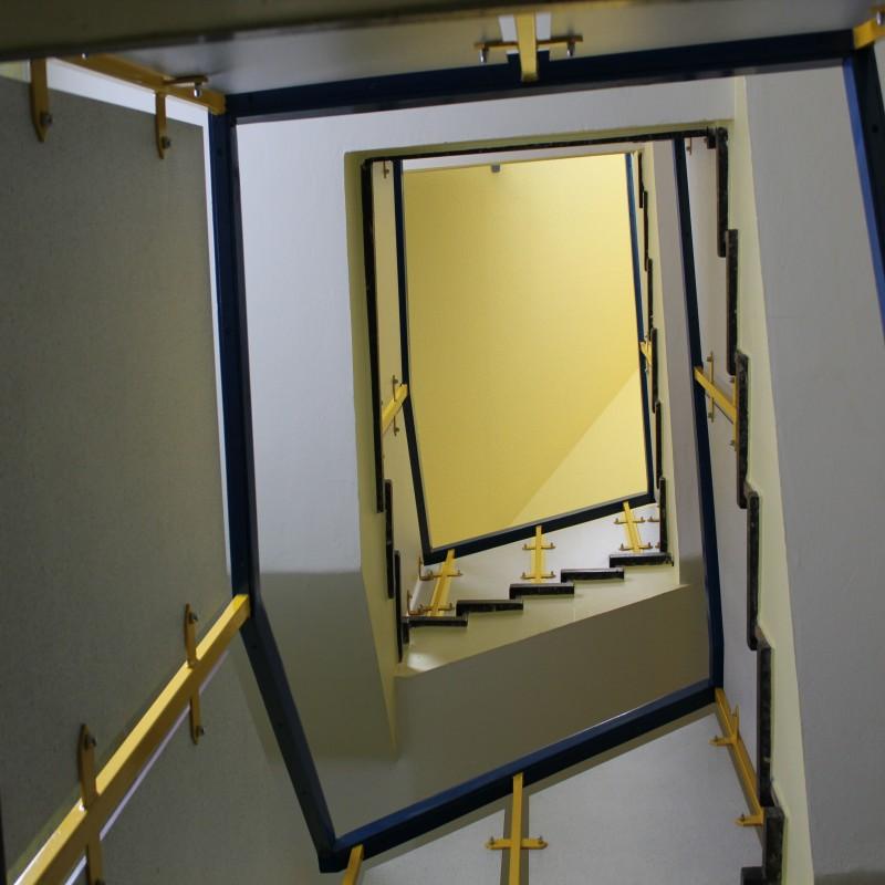 Foto: Ein Blick nach oben ins Treppenhaus
