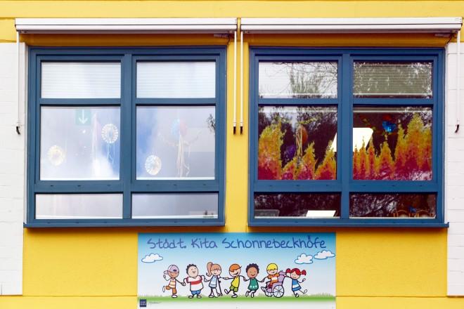 Foto: ein Fenster der Kita Schonnebeckhöfe