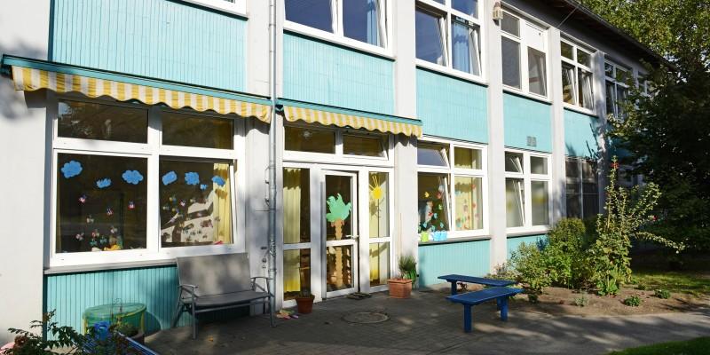 Gebäude und Außengelände Kita Stapenhorststraße