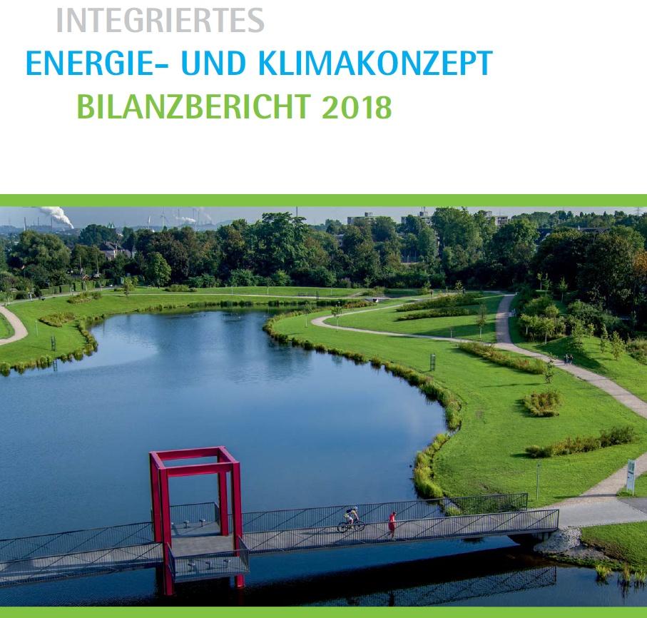Foto mit Text: Blick auf den Niederfeldsee, darüber die Worte 'Integriertes Energie- und Klimakonzept Bilanzbericht 2018'