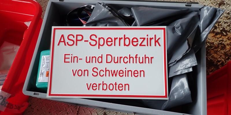 Foto: Schild Tierseuche-Sperrbezirk