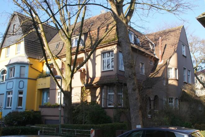 Foto: Vor der Sanierung: großzügiges Einfamilienhaus