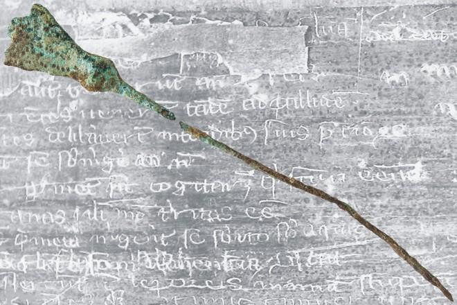 Grafik: Schreibgriffel aus der Baugrube der Volkshochschule