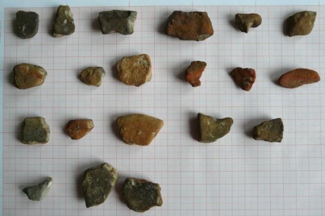 Abbildung einiger Keramikscherben.