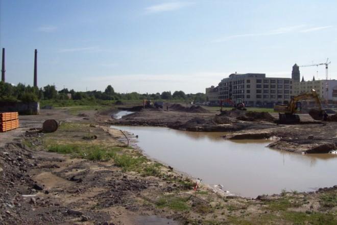 Foto: Die zukünftige Teichfläche nach einem heftigen Regenguss