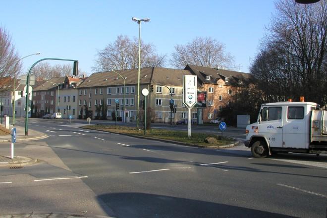 Foto: Blick auf die Kreuzung Gladbecker Straße / Berthold-Beitz-Boulevard