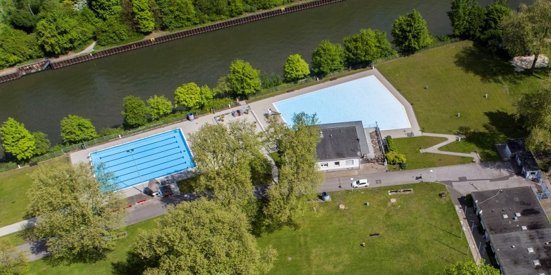 "Foto: Luftbildaufnahme des Freibads Dellwig (""Hesse"")"
