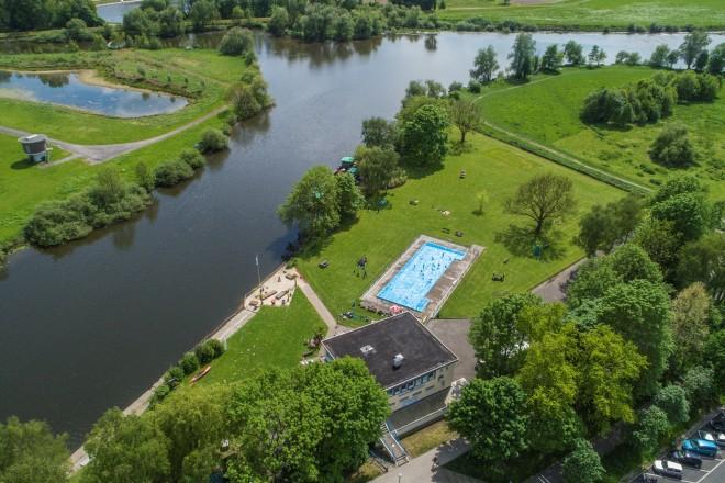 Foto: Luftbildaufnahme des Freibads Steele