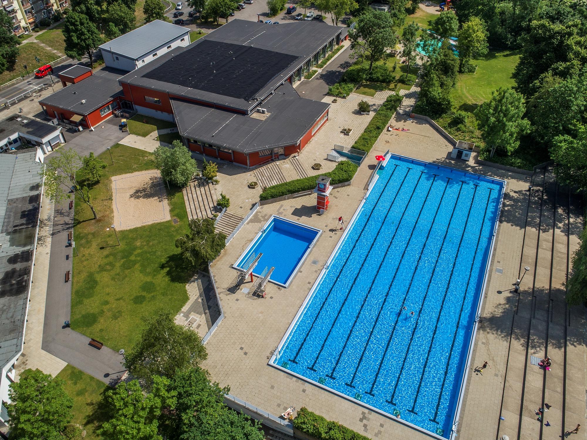 Foto: Luftbildaufnahme des Bad und Sport Oststadt
