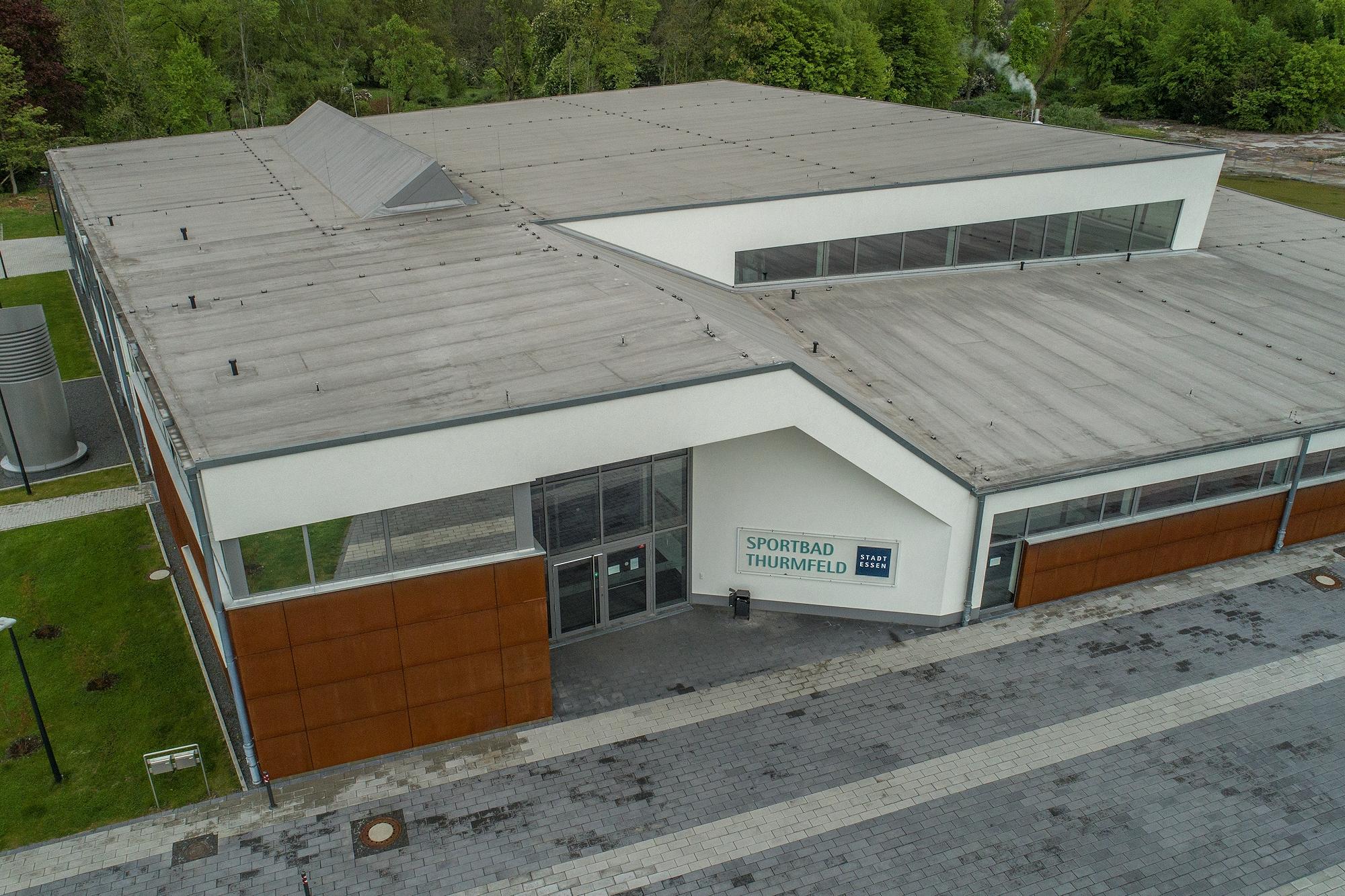 Foto: Luftbildaufnahme des Sportbads Thurmfeld