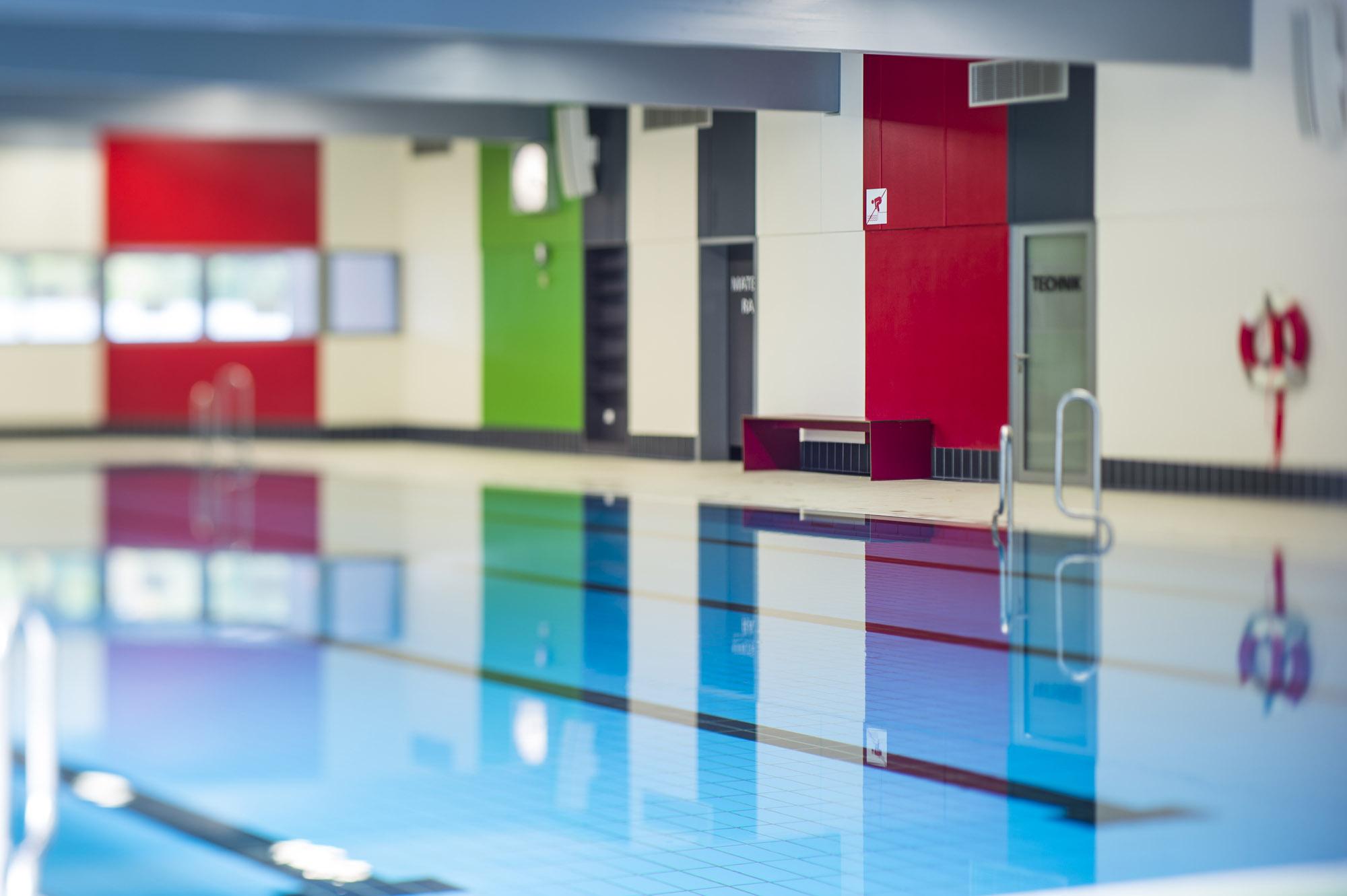 Foto: Blick auf eines der Hallenbecken im Bad und Sport Oststadt