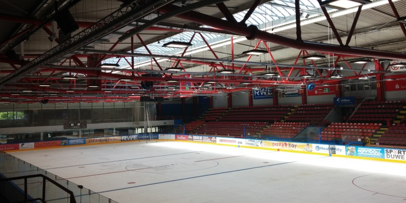 Foto: Innenansicht der Eissporthalle