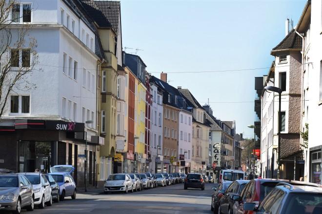 Foto: Die Gemarkenstraße in Holsterhausen mit Blick in Richtung Kreuzung Gemarkenstraße/ Rubenstraße.