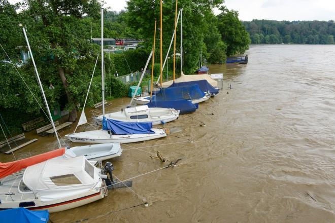 Hochwasser am Baldeneysee in Essen-Kupferdreh