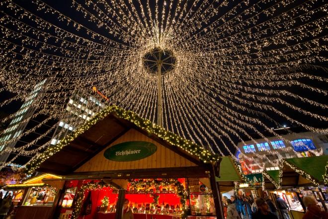 Weihnachtsmarkt auf dem Kennedyplatz,