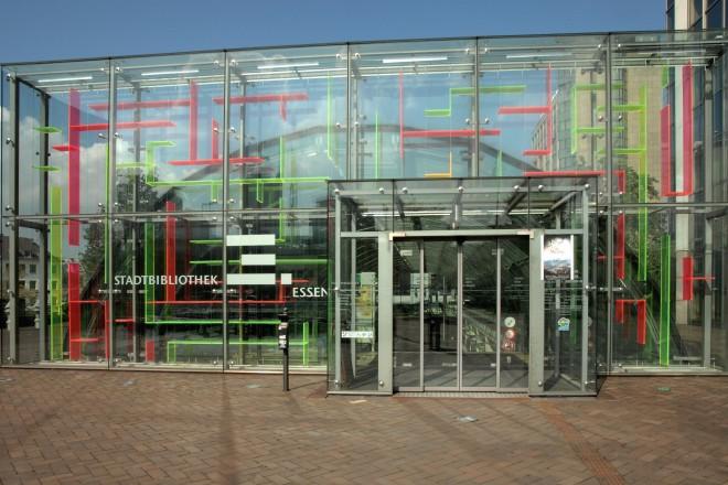 Foto: Eingang der Stadtbücherei