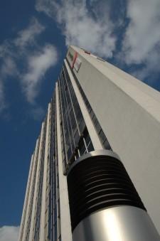 Foto: Gildenhof Gebäude aus der Froschperspektive