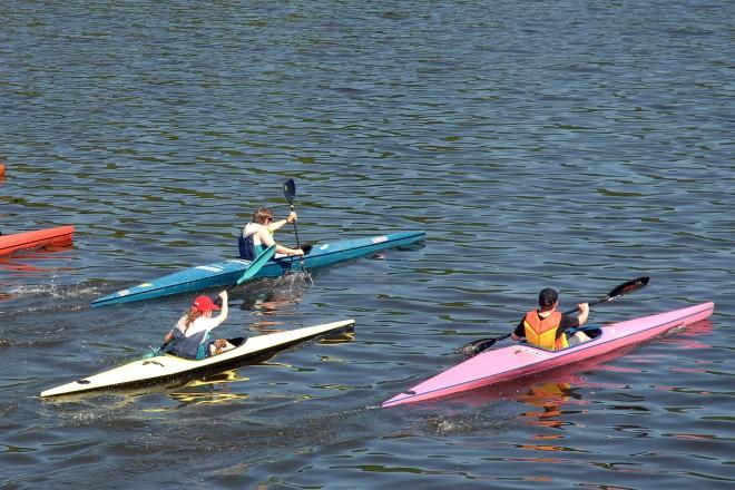 Foto: Kanufahrer auf dem Wasser