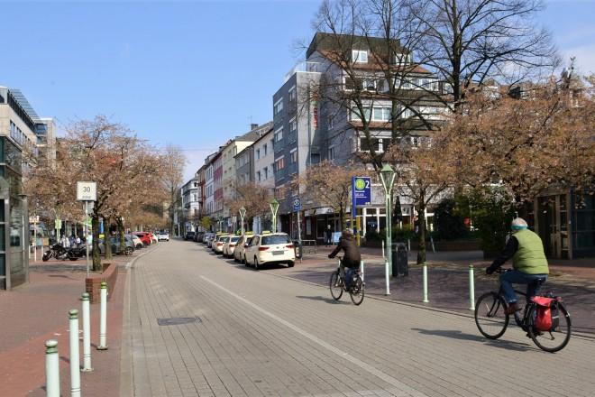 Die Rüttenscheider Straße im Abschnitt zwischen Martinstraße und Rüttenscheider Stern.