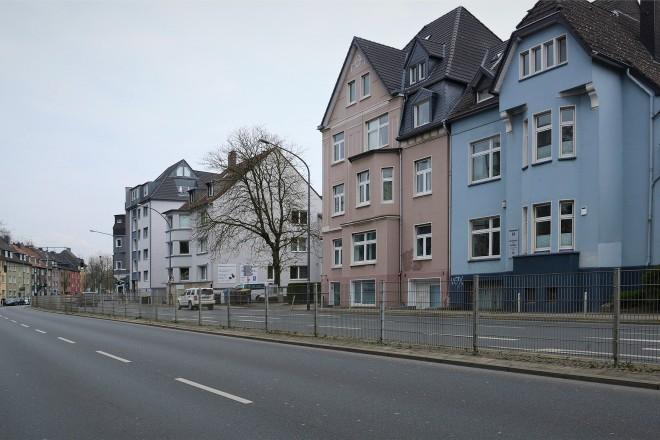 Foto: Die Alfredstraße im Abschnitt zwischen der Bertoldstraße und der Krawehlstraße in Fahrtrichtung Norden.