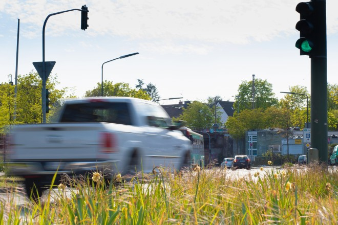 Foto: Autos im Straßenverkehr