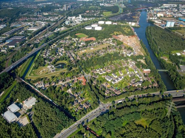 Luftbild: Das Freiheit Emscher-Areal von Westen.
