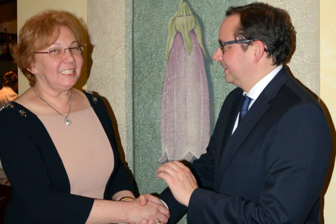 OberbürgermeisterThomas Kufen begrüßt Małgorzata Mańka-Szulik, Stadtpräsidentin der Partnerstadt Zabrze.