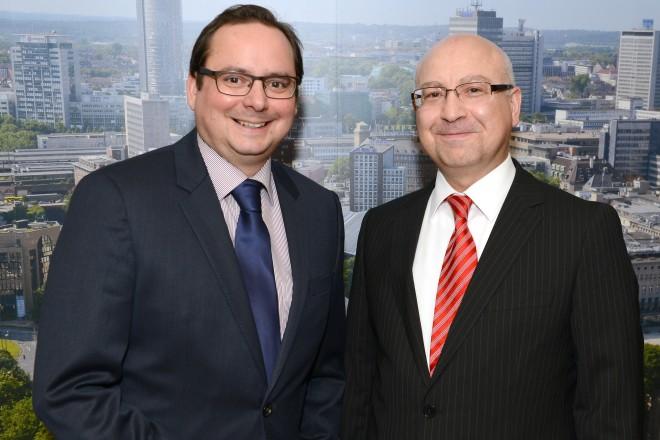 Antrittsbesuch des türkischen Generalkonsuls Mustafa Kemal Basa (rechts) bei Oberbürgermeister Thomas Kufen.